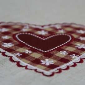 Obrus Srdcia červené