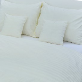 Hotelové posteľné obliečky Smotanové