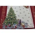 Gobelínový obrus Vianočný stromček červený